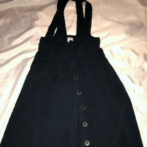 H81 Suspender skirt